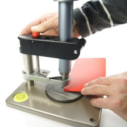 Уреди за определяне на твърдост/устойчивост на надраскване на покрития